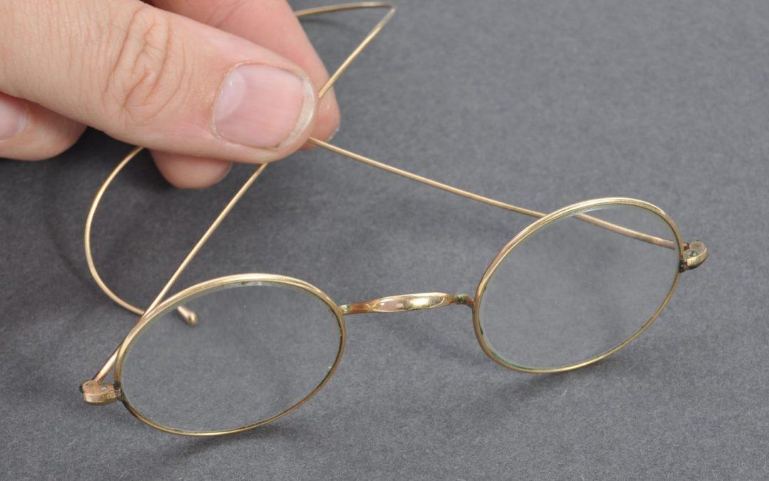 'Gandhi' spectacles take £260,000 at Bristol auction